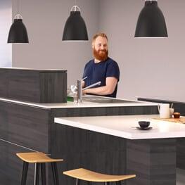 Systém polohování stolní desky