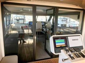 ALFAB Auto Marine Glazing Solltions 윈도우 자동화 솔루션의 윈도우