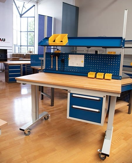 Mobile work bench
