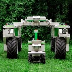 Desbrozamiento óptimo con robot de accionamiento eléctrico