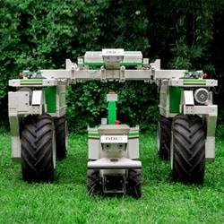 電動ロボットで除草作業を最適化