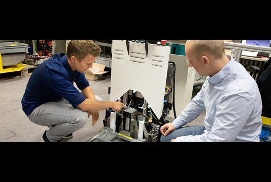 Kristof Parz (InSystems) og Marius Bruns (LINAK)