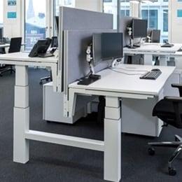 Maersk endorses electric height adjustable desks