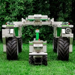 Elektrikli bir robot ile optimum ot yolma performansı