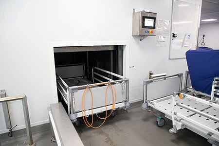 Reinigung von Krankenhausbetten in Waschtunneln