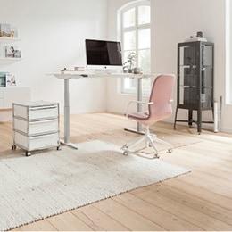 Hæve-/sænkebord på hjemmekontor