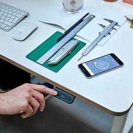 DPG og Desk Control App på bord