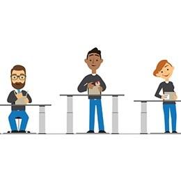 Mennesker ved borde med forskellige højder