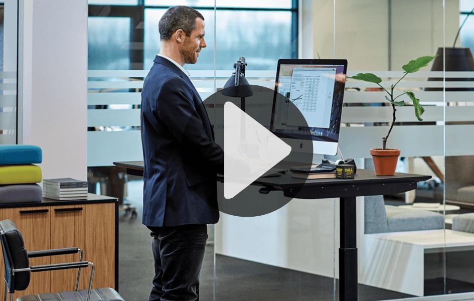 Intuitiv vipping med bordpanel DPG fra LINAK