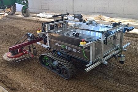 半自动除草机器人展现了未来的农业。