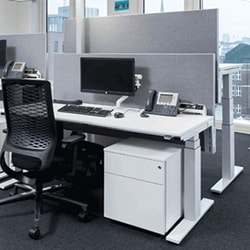 Maersk endorses electric height adjustable desks in its new offices