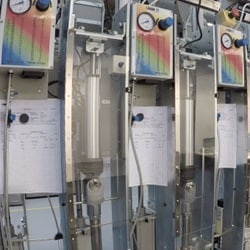 Mekanisk holdbarhedstest af elektriske industrielle aktuatorer.