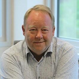 Tom B. Larsen