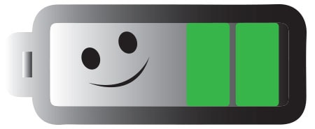Vaihtoehtoinen teksti: Pidä HC40Advanced-käsiohjaimen varauksen ilmaisin vihreänä pidempään