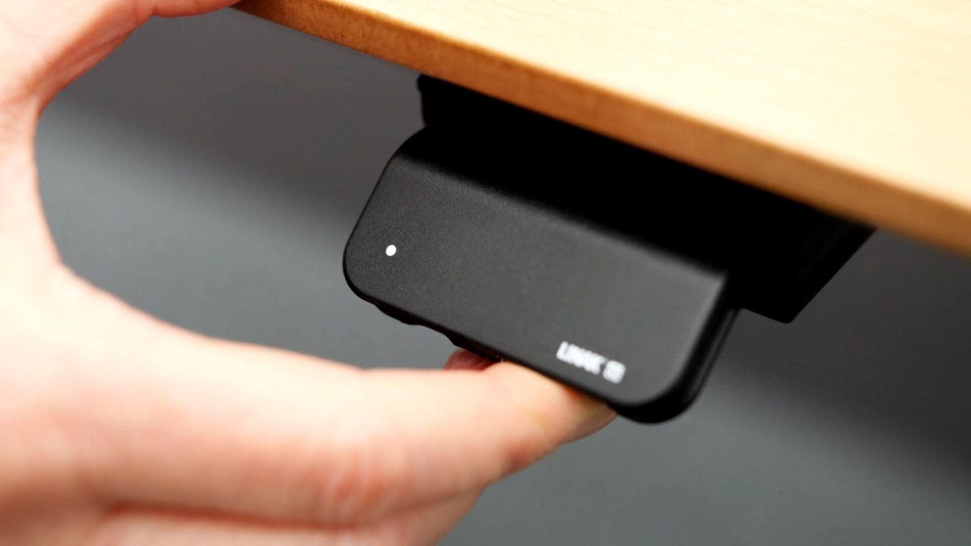 Desk Panel DPG1M – Wie Sie die Memory-Funktion und das automatische Verfahren verwenden