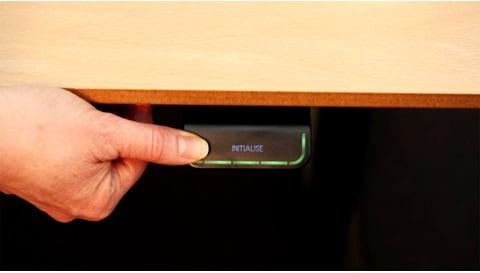 DPG: come inizializzare il sistema e regolare l'altezza della scrivania