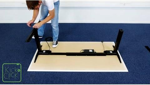 Gemakkelijke demontage van een LINAK Kick & Click-bureau