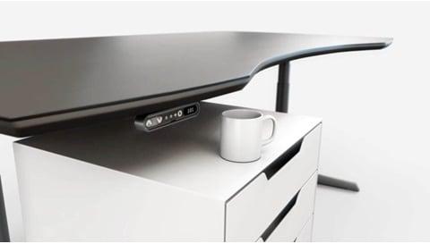 PIEZO™ - LINAK maskinvare basert på anti-kollisjonsteknologi, forebygger skade på materiell