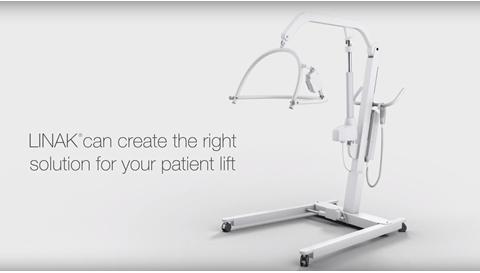 Sicherer Transfer des Patienten mit LINAK Systemlösungen für elektrische Patientenlifter